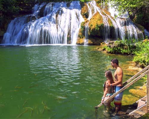 Cachoeiras Serra da Bodoquena - Cachoeira da gruta Bonito MS Bonito Incomparável