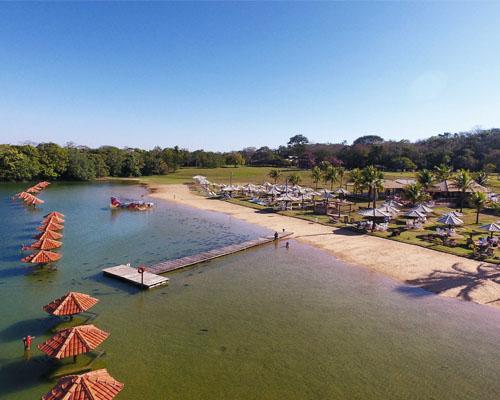 Praia da Figueira - Quiosques na Praia de água doce Bonito MS Bonito Incomparável