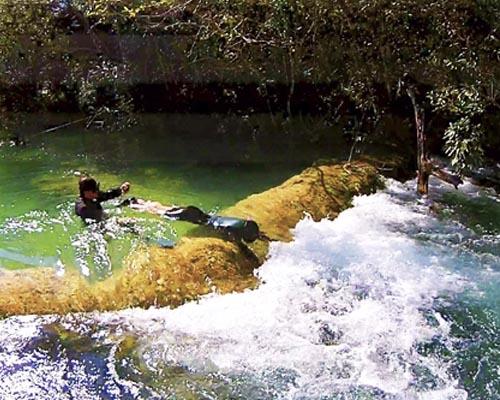 Bonito Aventura - Mergulhadores nas corredeiras no Rio Formoso Bonito MS Bonito Incomparável