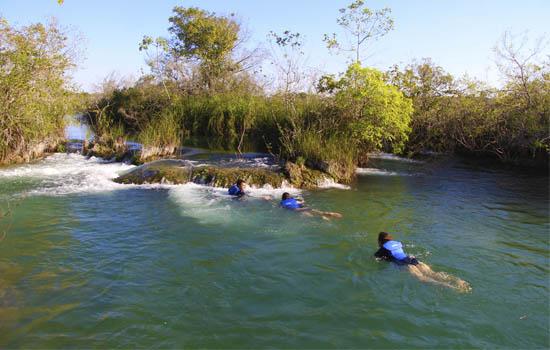 Parque Ecológico Rio Formoso - Cavalgada pode incluir mergulho no Formoso - Bonito MS Bonito Incomparável