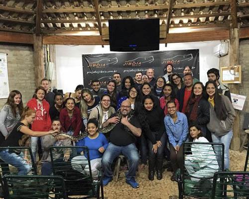 Projeto Jiboia - UEMS Ivinhema Ciências Biológicas em visita de Educação Ambiental gratuita no Projeto Jiboia Bonito MS Bonito Incomparável